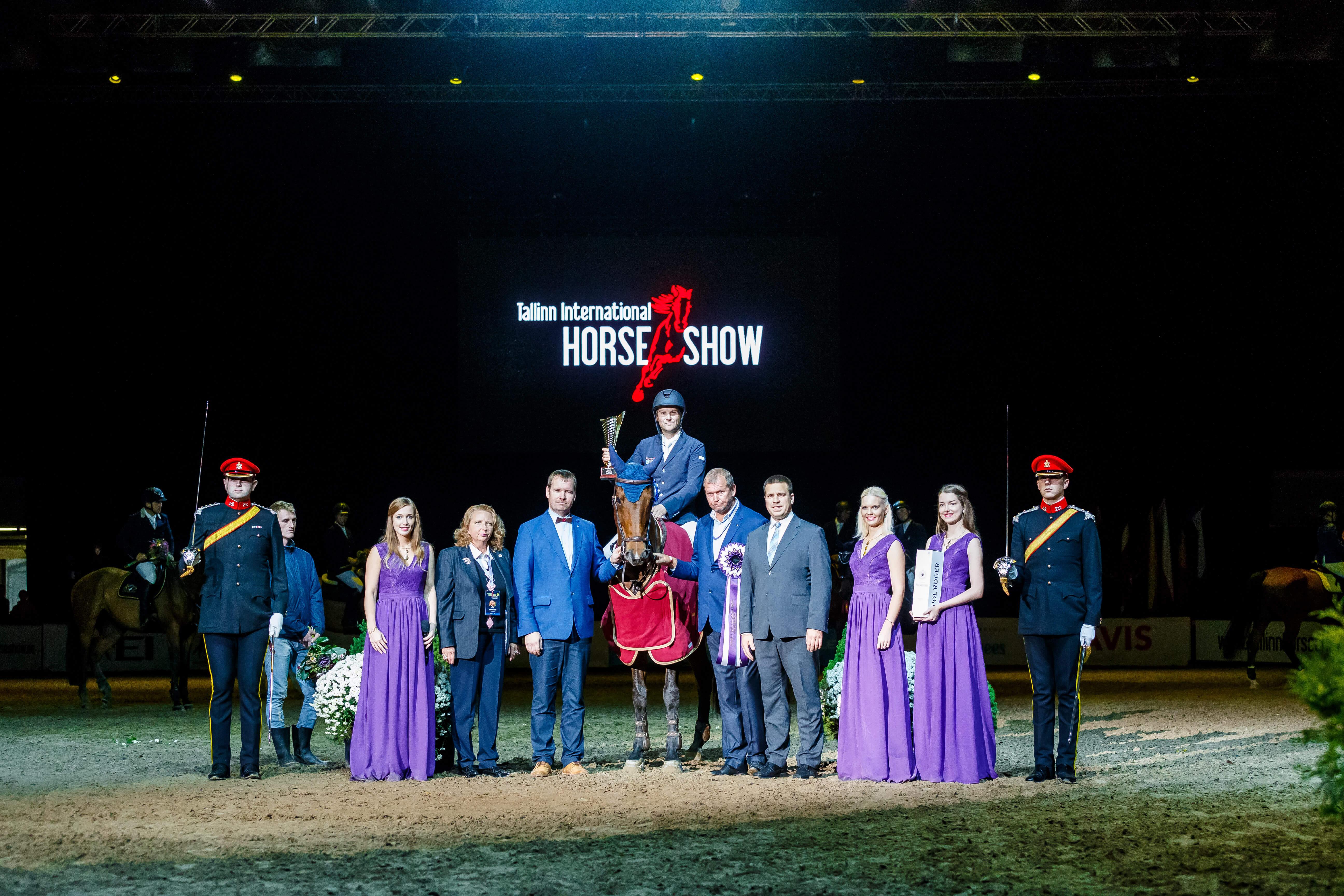 Michal Kazmierczak (POL) - STAKORADO, Hannelore Mariette Ojamae, Karmen Armus, Heiti Haal, Juri Ratas, Marti Haal, Ganna Skabard (UKR), Merilyn Isok. 140-160 cm Alexela Grand Prix, FEI World Cup (CSI2*-W), 8.10.2017 @ Tallinn International Horse Show 2017 Foto: Kylli Tedre-Gavrilov / www.kyllitedre.com